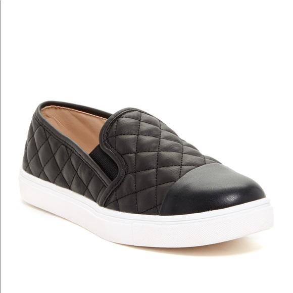 5314562c930 Steve Madden Zaander slip on sneaker. M 5c3d172e04e33d5db4d2c2b3